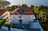 Opulent villa with a swiming pool and beautiful sea views, for sale (21)