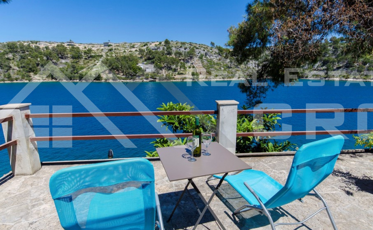 House in the first line to the sea for sale, Brac island