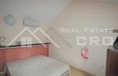 BR402, Nekrenine Brač - Dvosobni apartman na iznimno atraktivnoj lokaciji u Supetru na prodaju, otok Brač
