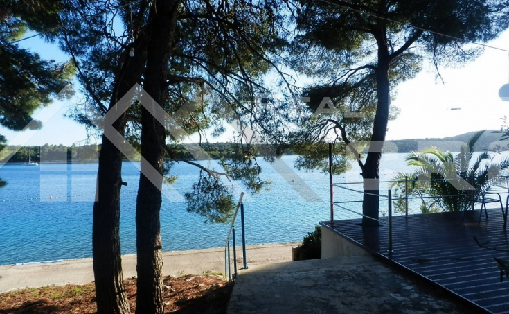 Apartment with beautiful sea view, for sale, Milna, Brac island (1)