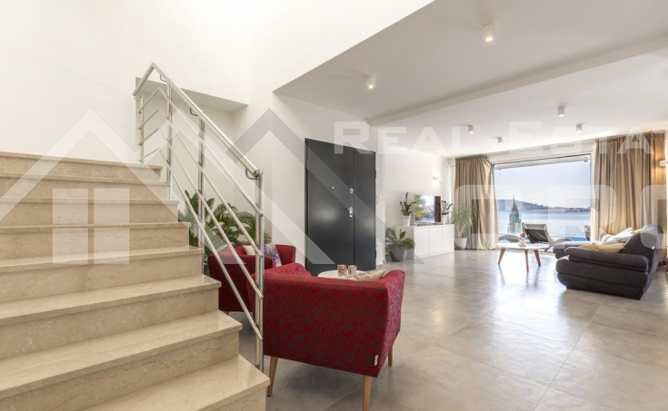 Luxurious villa in the first row to the sea, for sale, Rogoznica